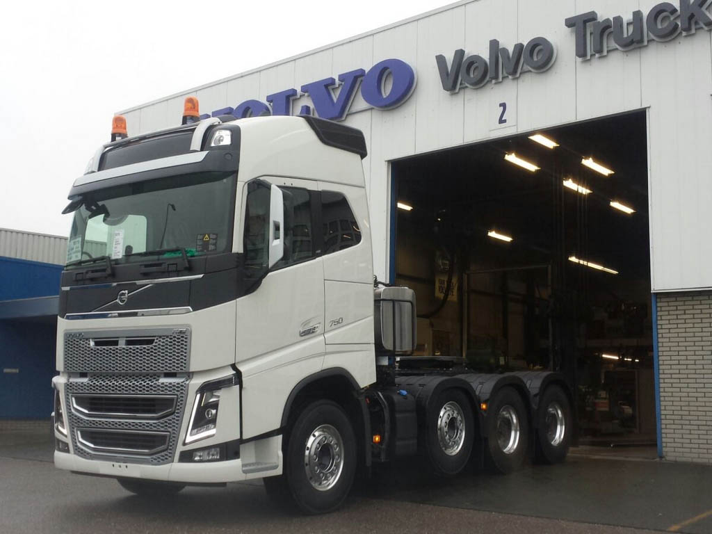 Volvo FH16 8×4 750-4